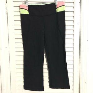 Lululemon Size 8 Womans Black Capri Yoga Pants